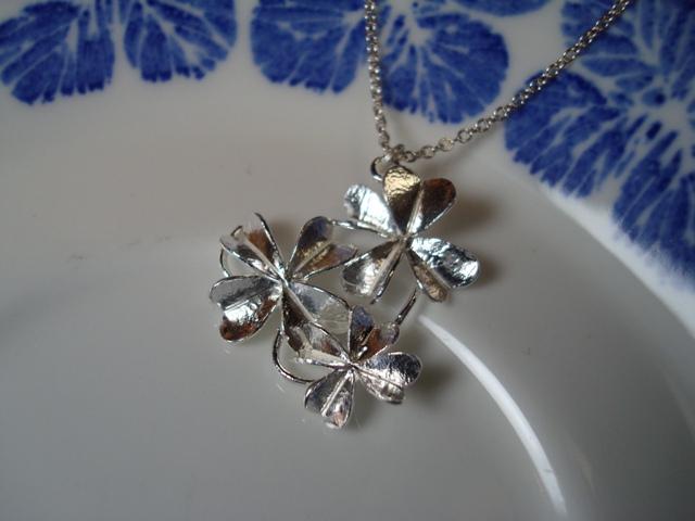 ALEX MONROE 3 Clover Cluster Necklace