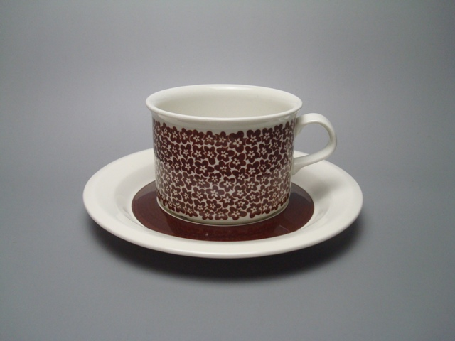 Arabia Faenza Tea Cup & Saucer brown