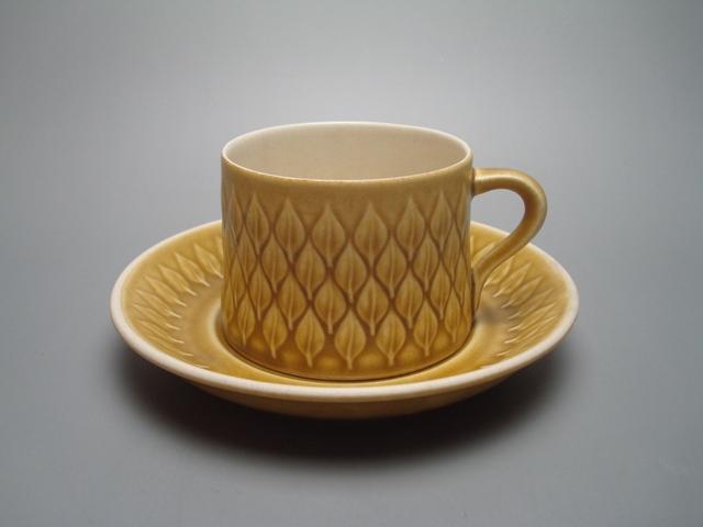 Nissen Relief Cup & Saucer 02